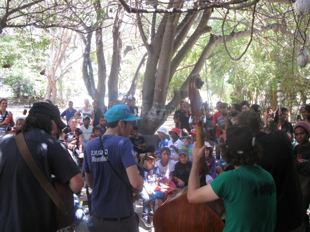 Earth Stringband in Timor-Leste